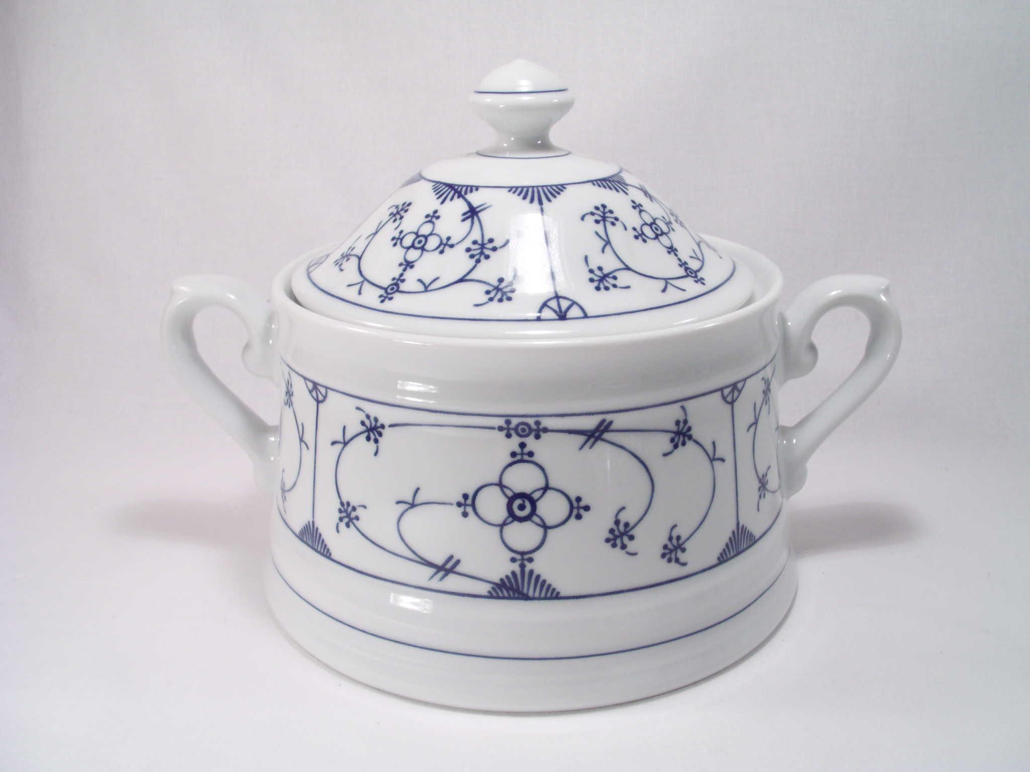 sch ssel ragout 1 5 winterling indischblau indisch blau triptis porzellan zwiebelmuster. Black Bedroom Furniture Sets. Home Design Ideas